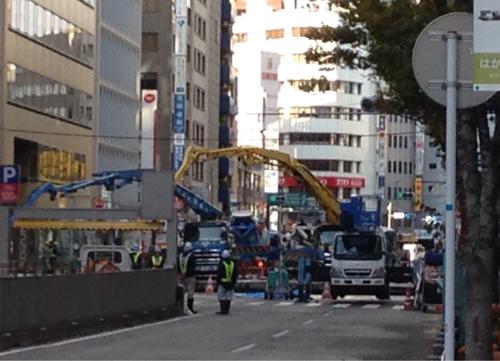 福岡地盤崩落_e0054299_09184333.jpg