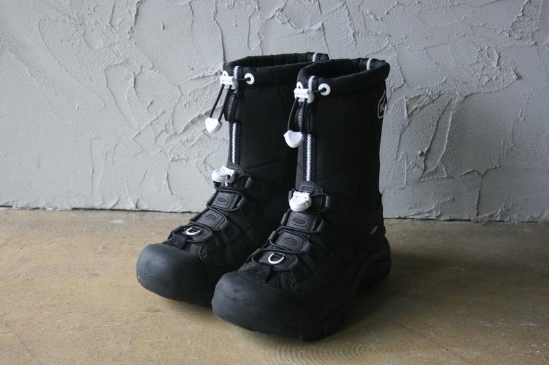 第3306回   SNOW BOOTSとコーンスープ。_f0366424_11465690.jpg