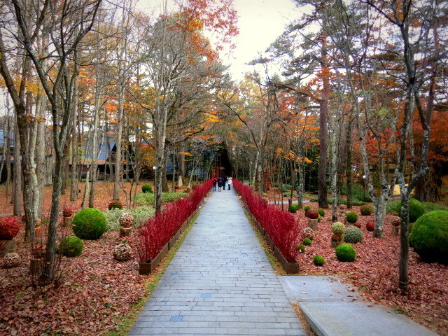 Art of Forest Autumn*ニコライ・バーグマン @軽井沢高原教会_f0236260_22510975.jpg
