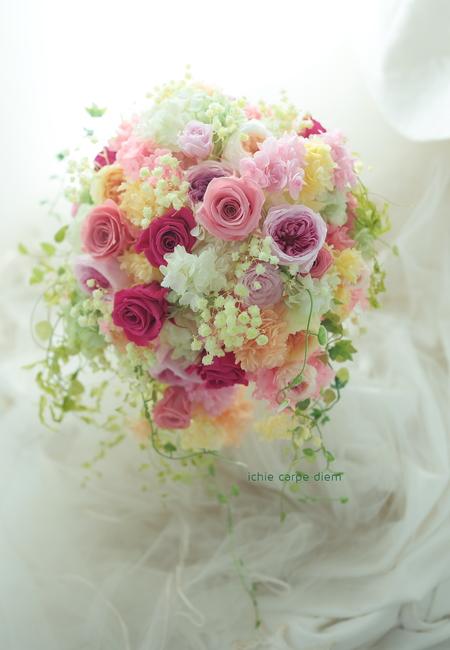 シャワーブーケ ハワイウェディングに フーシャピンクのバラで_a0042928_11545614.jpg