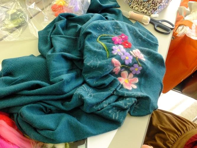 小林広子著書出版記念1DAYレッスン~柔らか羊毛で刺しゅうのセーター~_d0240711_15250952.jpg