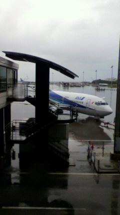 雨の空港_e0359436_23124374.jpg