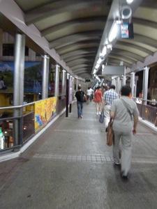 香港2*10 ミッドレベルエスカレーターで足ツボマッサージ_e0359436_23163709.jpg