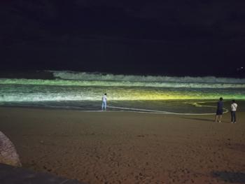 はじめて釜山9*台風一過の海雲台ビーチの夜_e0359436_23301528.jpg