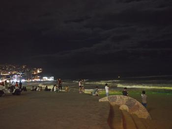 はじめて釜山9*台風一過の海雲台ビーチの夜_e0359436_23301599.jpg