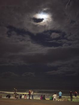 はじめて釜山9*台風一過の海雲台ビーチの夜_e0359436_23301616.jpg