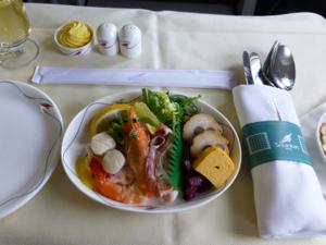 スリランカ*3 スリランカ航空ビジネスクラスの機内食はベジタリアンで_e0359436_23340677.jpg