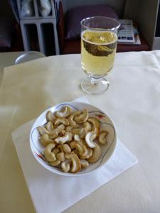 スリランカ*3 スリランカ航空ビジネスクラスの機内食はベジタリアンで_e0359436_23340684.jpg