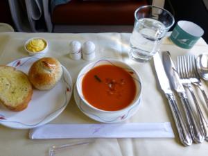 スリランカ*3 スリランカ航空ビジネスクラスの機内食はベジタリアンで_e0359436_23340710.jpg