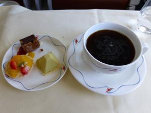 スリランカ*3 スリランカ航空ビジネスクラスの機内食はベジタリアンで_e0359436_23340746.jpg