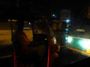 スリランカ*4 バンダーラナーヤカ空港からバーベリンリーフリゾートホテル_e0359436_23341002.jpg
