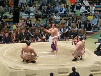 大相撲観戦で楽しい国際交流_e0359436_23503887.jpg