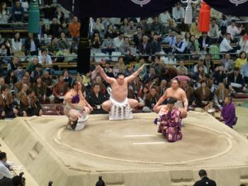 大相撲観戦で楽しい国際交流_e0359436_23503889.jpg
