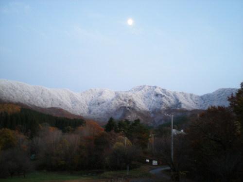 月と竜山_b0365347_13123053.jpg