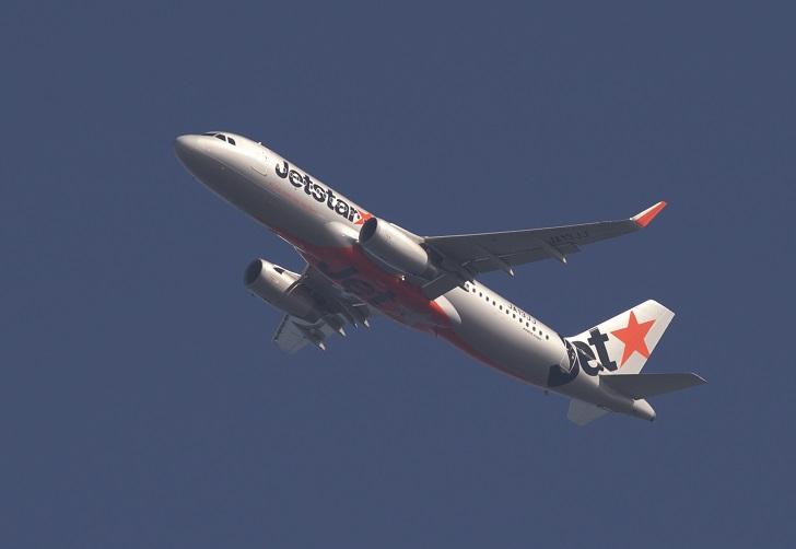 ジェット機_c0096278_1553147.jpg