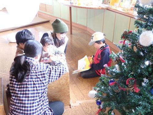 """『絵本カーニバル』""""たね""""と""""クリスマス""""の絵本がまってるよ〜_f0296936_15443080.jpg"""