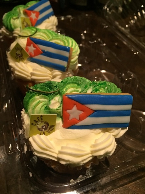 誕生日の宴 #キューバ料理 #レストラン #cafelavida #tokyo #キューバ音楽 #広尾 #満席御礼_a0103940_00413591.jpg