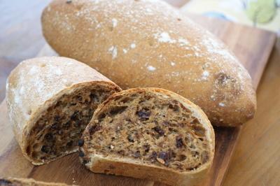 1つの生地で作る2つの食感のパン_f0103755_16585028.jpg