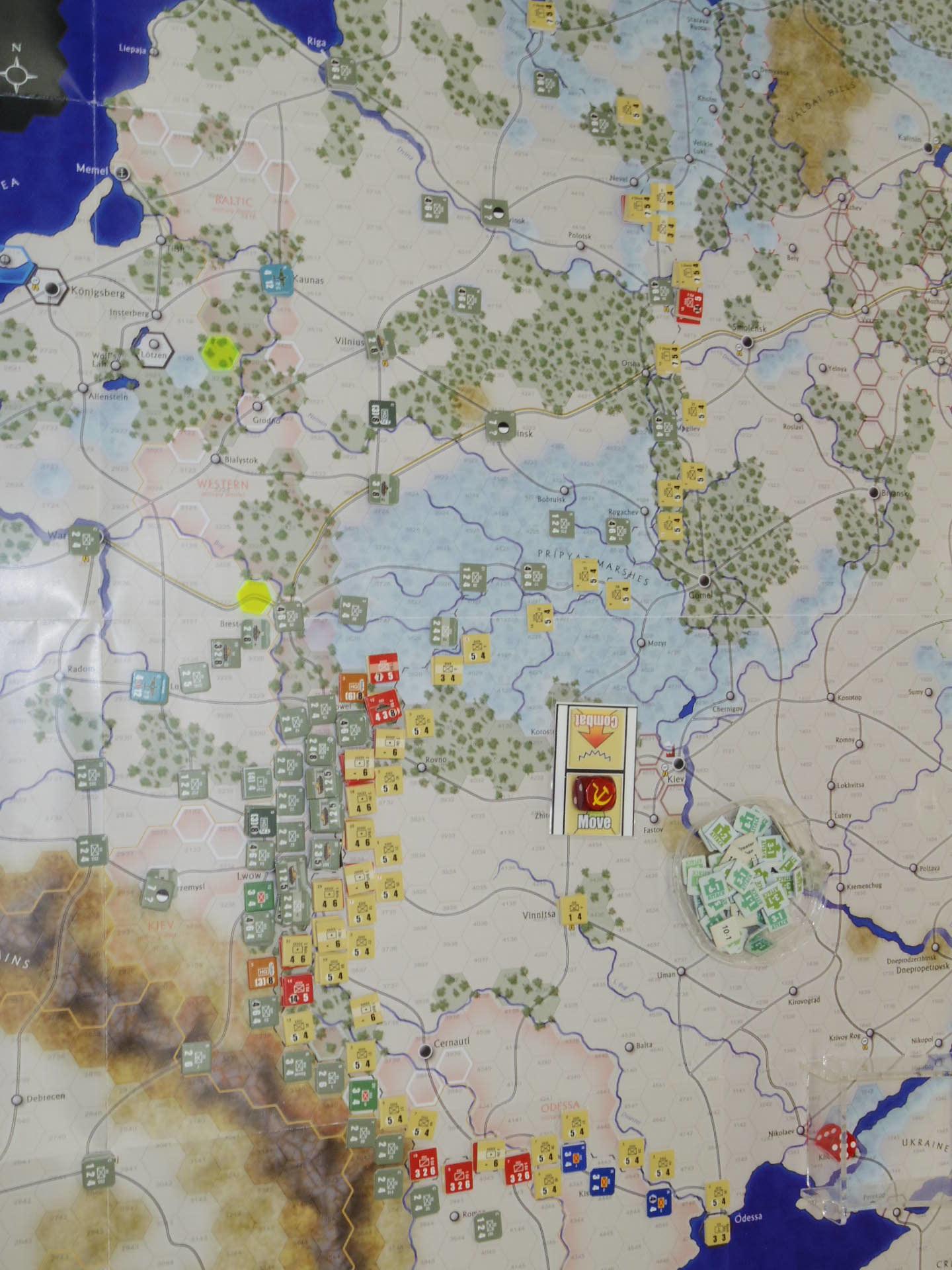 YSGA第329回定例会の様子その5〔(GMT)The Dark Valley  ダーク・ヴァレー 「バグラチオン:1944シナリオ」3人で全5ターン貫徹❶〕_b0173672_23530708.jpg