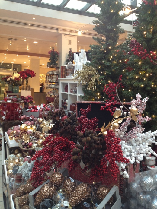 クリスマスを彩る可愛らしい仲間たち_a0136671_1374375.jpg