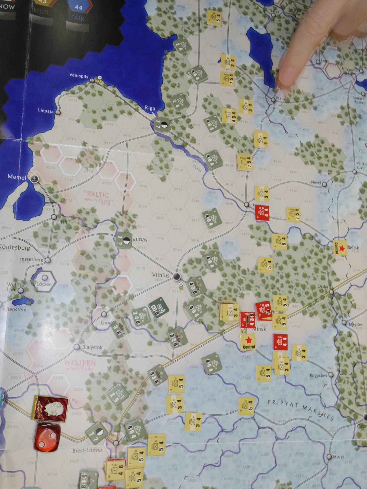 YSGA第329回定例会の様子その6〔(GMT)The Dark Valley  ダーク・ヴァレー 「バグラチオン:1944シナリオ」3人で全5ターン貫徹➋〕_b0173672_00001647.jpg