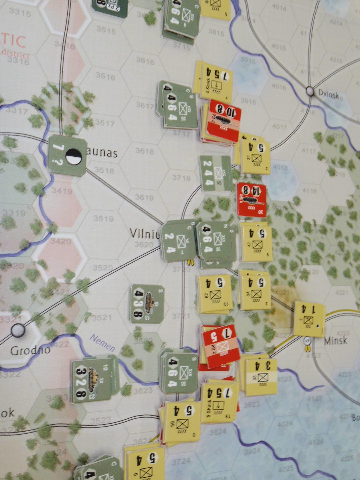 YSGA第329回定例会の様子その6〔(GMT)The Dark Valley  ダーク・ヴァレー 「バグラチオン:1944シナリオ」3人で全5ターン貫徹➋〕_b0173672_00022780.jpg