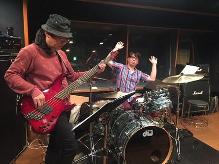 11月26日は柏ALIVE!Bass:岡雄三!Drums:宮川剛!_f0181924_5192545.jpg