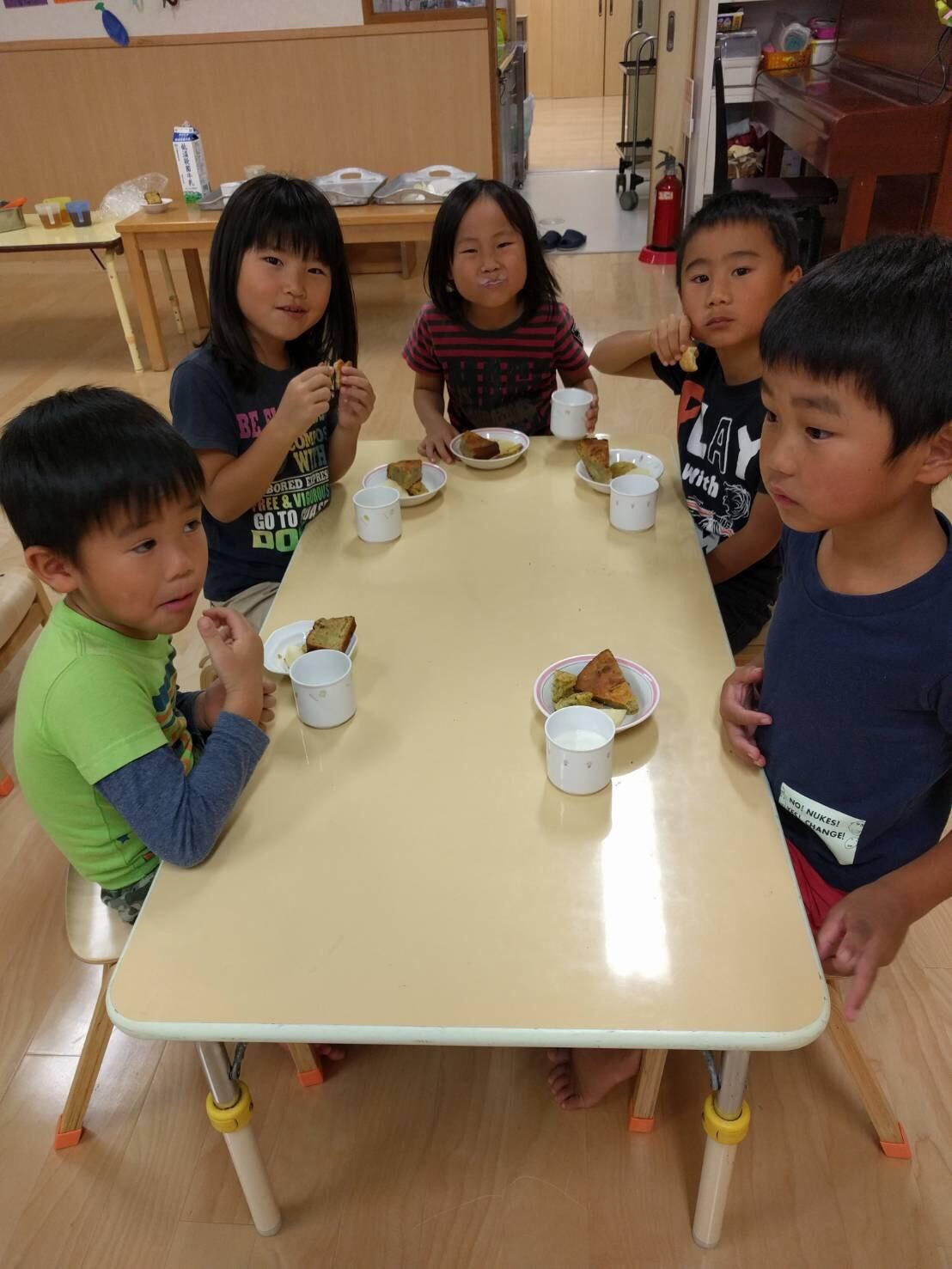 5歳児くじら組  お芋クッキング&お芋パーティPart②_c0151262_22202748.jpg