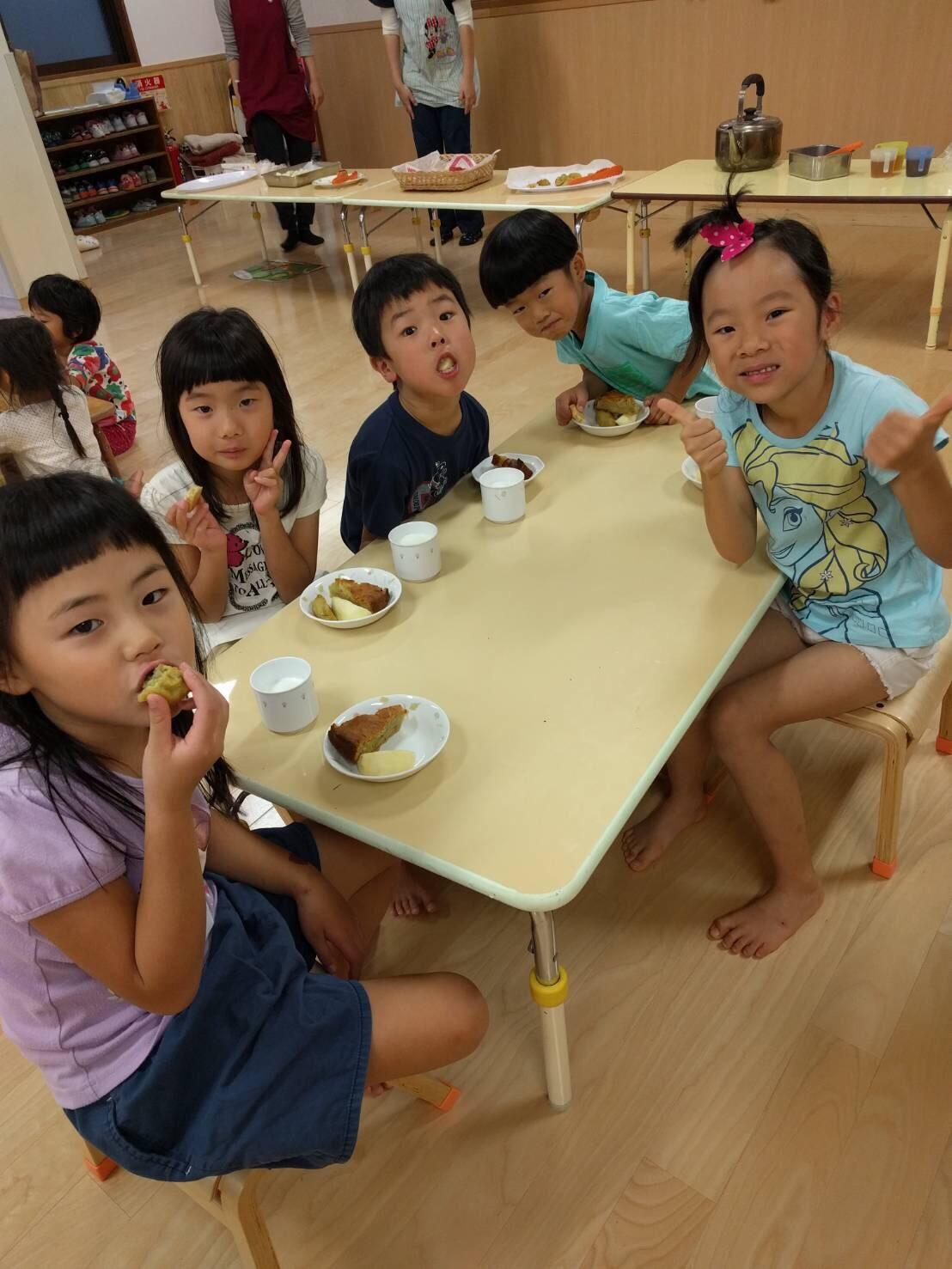 5歳児くじら組  お芋クッキング&お芋パーティPart②_c0151262_22204283.jpg