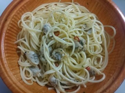 11/16夜勤食  スープたっぷりボンゴレスパゲティ ¥450@ファミリーマート_b0042308_01501866.jpg