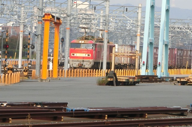鉄道写真、東海道本線岸辺駅にて・・・・レッドサンダー、EF65の写真撮影_d0181492_23244463.jpg
