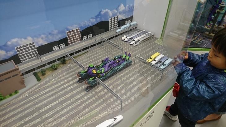 エヴァンゲリオンプロジェクト新幹線 特別内装_b0083801_23063928.jpg