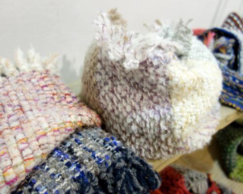今週末11/20まで【三浦奈巳作品展〜縫って織ってできました】ふかっふかのショールで冬支度を_a0017350_07032525.jpg