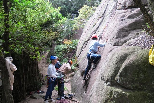 小豆島吉田川の岩場クライミング2_b0227552_20131548.jpg