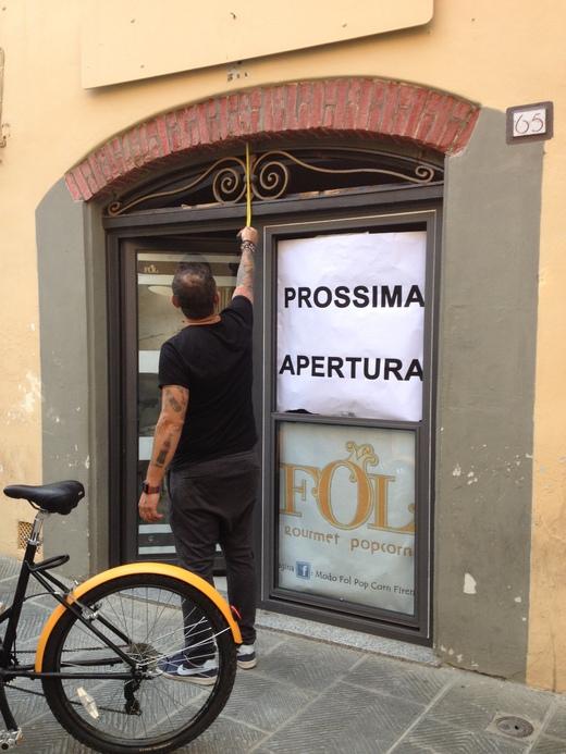 フィレンツェに今更感のある専門店がオープン_a0136671_421283.jpg