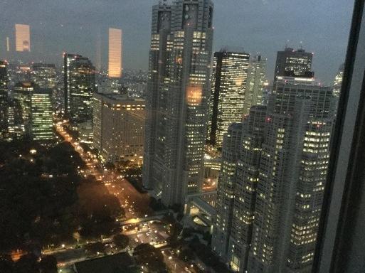 高層ビル群も嫌いではない_b0210699_02073852.jpeg