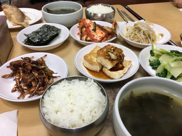 ソウルから大邱へ。その11 ソウルに戻って、イシモチ定食の朝ごはん&不思議なおみやげ_a0223786_16540292.jpg