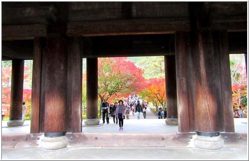 南禅寺かいわいを、ぶらりと散歩_b0104092_1728428.jpg