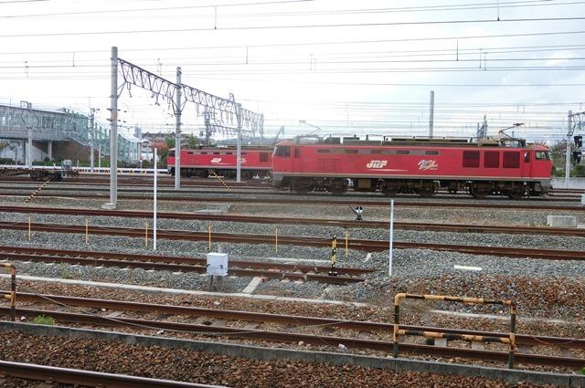 鉄道写真、東海道本線岸辺駅にて・・・・レッドサンダー、EF65の写真撮影_d0181492_17091052.jpg