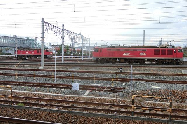 鉄道写真、東海道本線岸辺駅にて・・・・レッドサンダー、EF65の写真撮影_d0181492_17092771.jpg