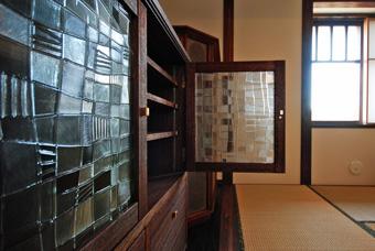 台の家とクレーガラス その2_c0195909_13385849.jpg