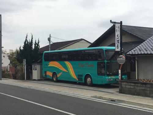 宿から動かないバス。_d0338282_13532328.jpg