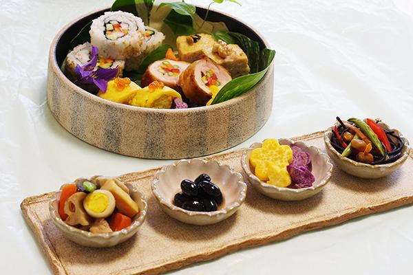 弁当を楽しむ薩摩焼の器_a0043405_21362136.jpg