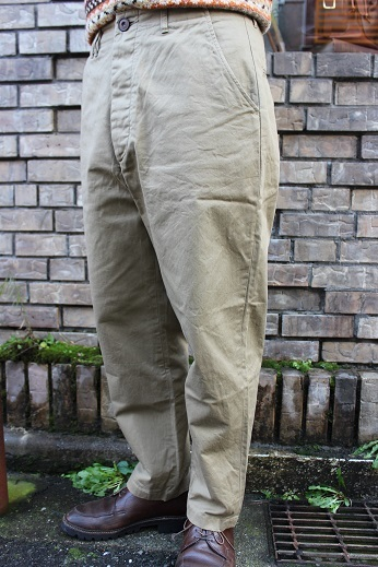 "ANACHRONORM ""CHINO TAPERED TROUSERS\"" ご紹介_f0191324_08583427.jpg"