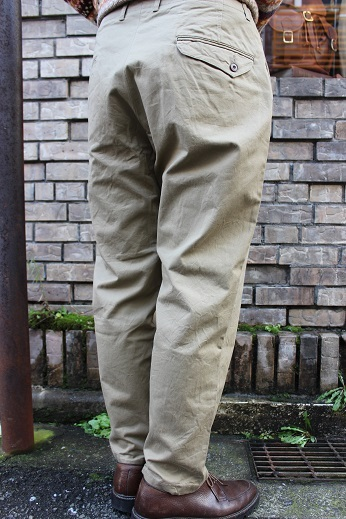 "ANACHRONORM ""CHINO TAPERED TROUSERS\"" ご紹介_f0191324_08585395.jpg"