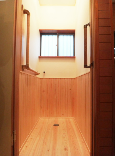 M様邸トイレ改装工事_c0184295_15333919.jpg