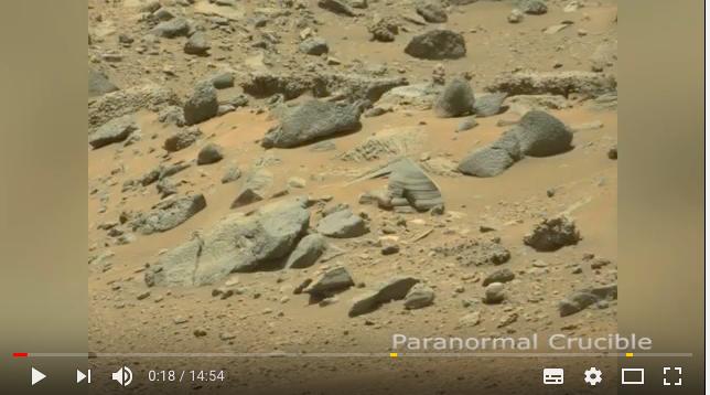 ついに火星でエイリアンの姿が捉えられた!?2:「NASA元画像から復元した昆虫型宇宙人とは?」_a0348309_12244952.png