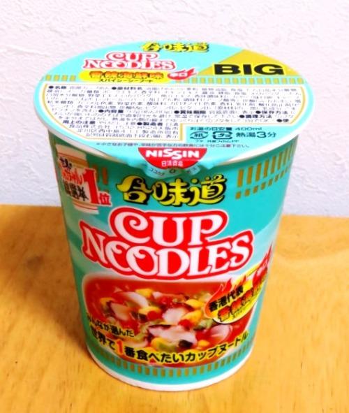 カップヌードル(合味道) BIG 香辣海鮮味~久々のBIG購入_b0081121_5554268.jpg