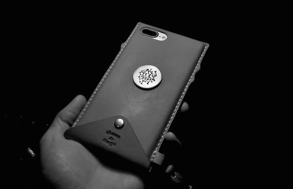 iphone 7 plus leatehr case +hand strap_b0172633_22211488.jpg