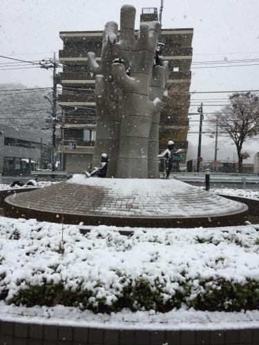 雪です_b0093660_12453939.jpeg